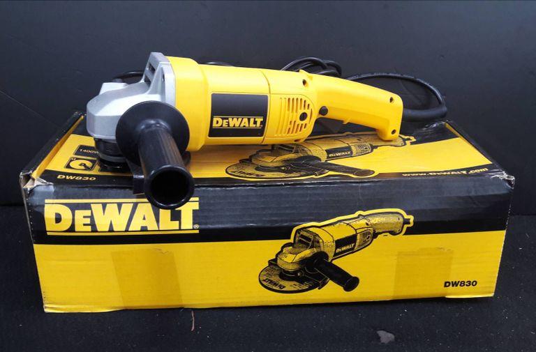 Máy mài góc Dewalt DW830 1.400W