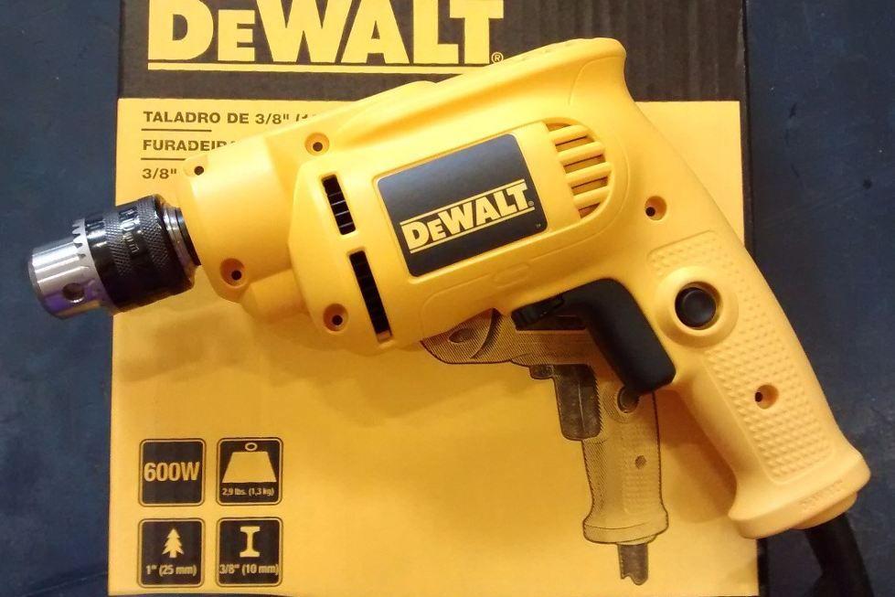 Máy khoan sắt 550W DEWALT DWD014-B1