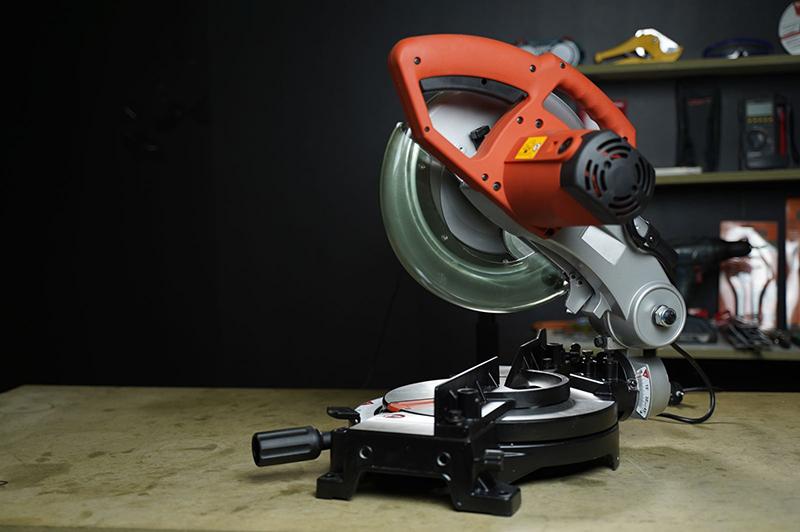 Máy cắt góc đa năng Maktec MT230 1500W