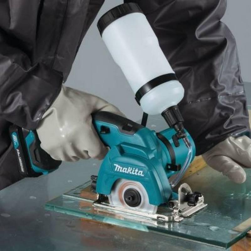 Máy cắt gạch dùng pin Makita CC301DZ 12V