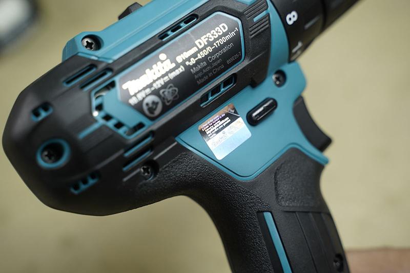 Đánh giá bộ máy khoan vặn vít dùng pin Makita CLX224S (12V)