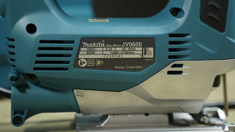 Máy cưa lọng Makita JV0600K 650W