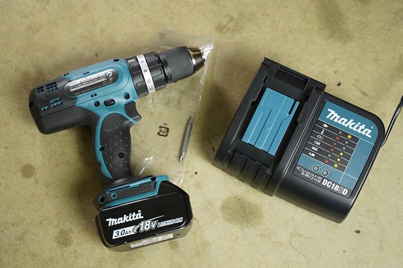 Máy khoan pin Makita DHP453SF 18V