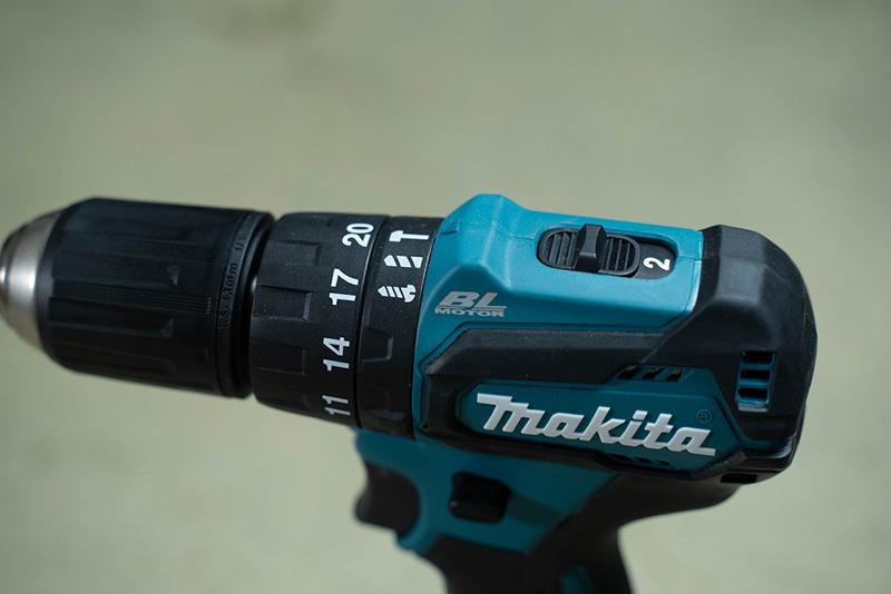 Máy khoan pin Makita DHP483 18V