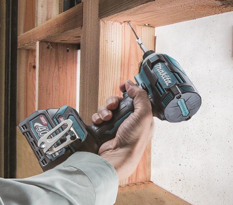 Máy vặn vít dùng pin Makita TD001GM201 40V (Mới)