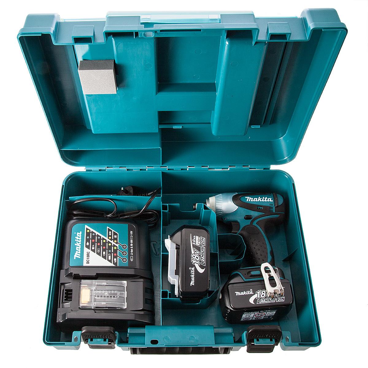 Máy vặn ốc chạy pin 14.4V Makita DTW251RME