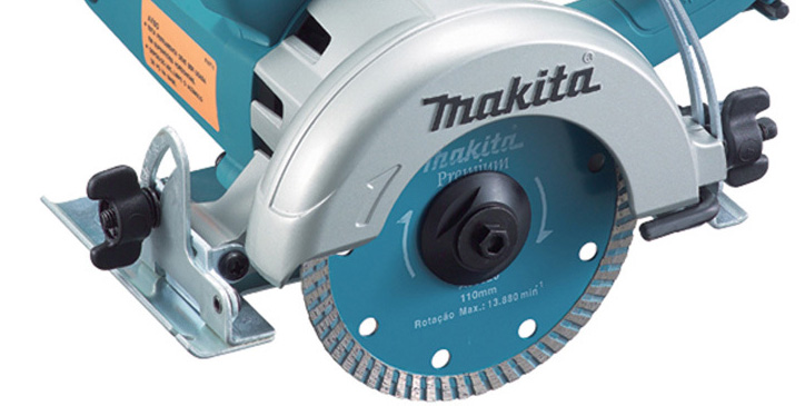 máy cắt đá 860W makita 4100NB